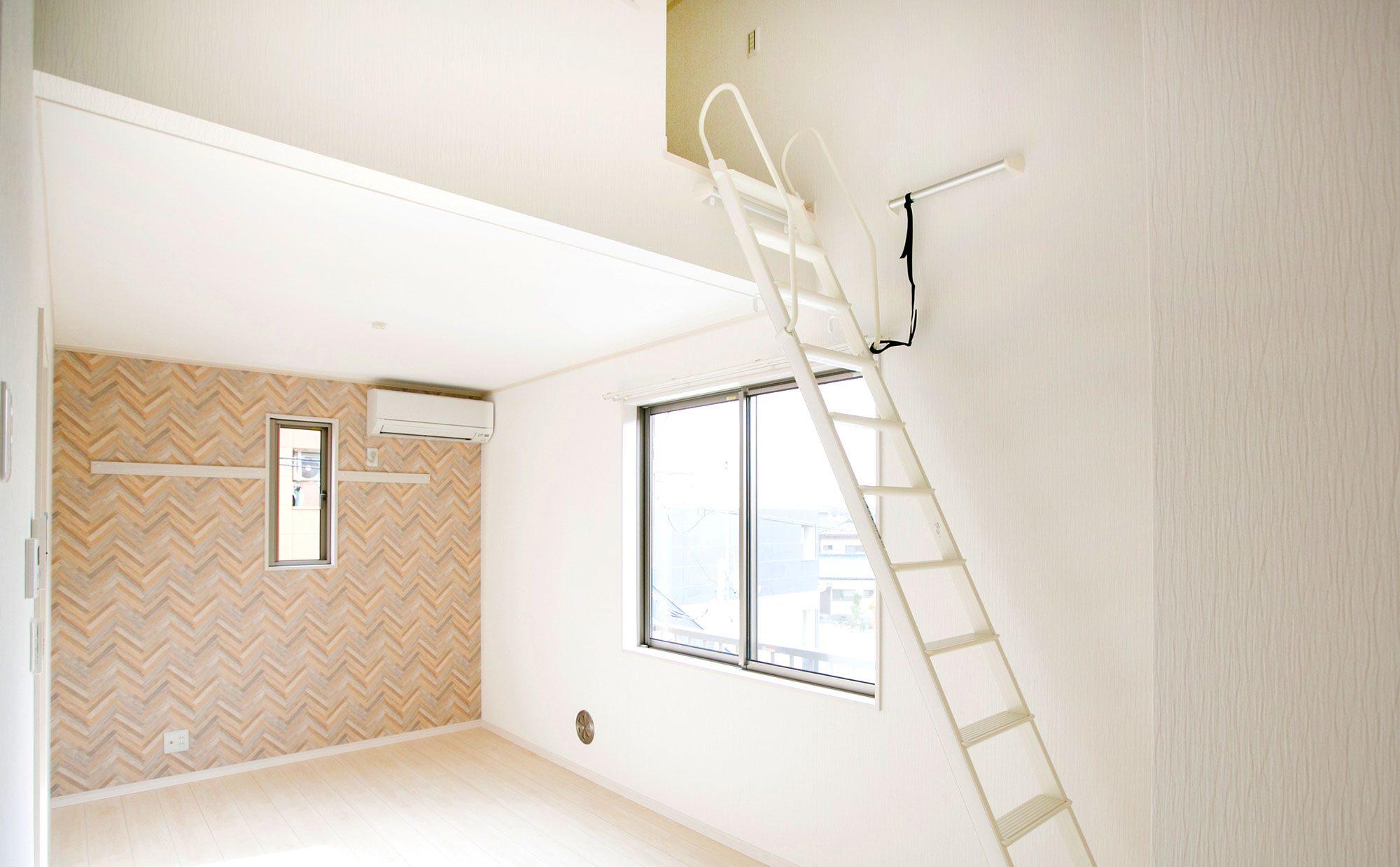 ロフト付きの部屋に住んでみた。ロフトの便利な5つの活用方法と選び方