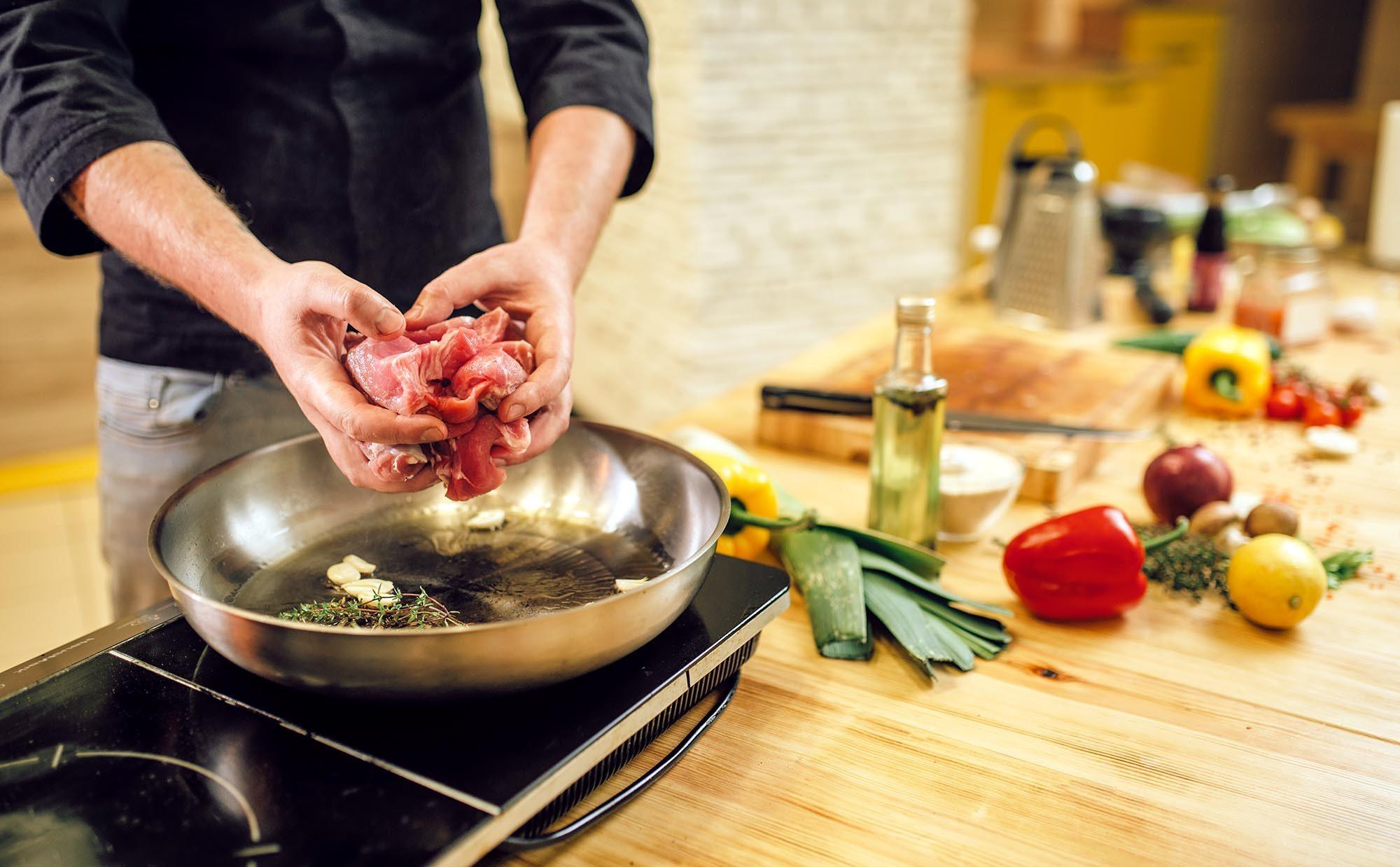 これぞ男飯! 自炊の魅力にハマった私の「ガッツリ・お手頃・お手軽レシピ」