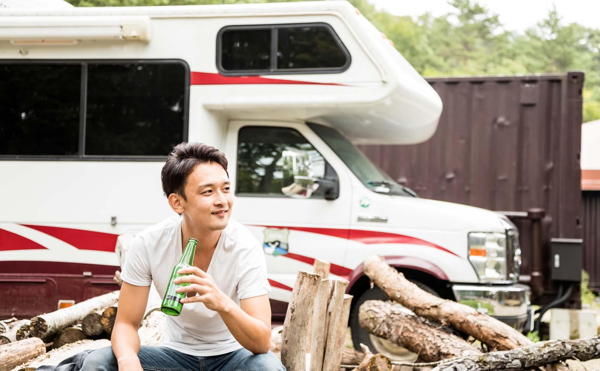 キャンピングカーで日本一周中! 毎日違う景色を楽しむ夫婦の暮らし
