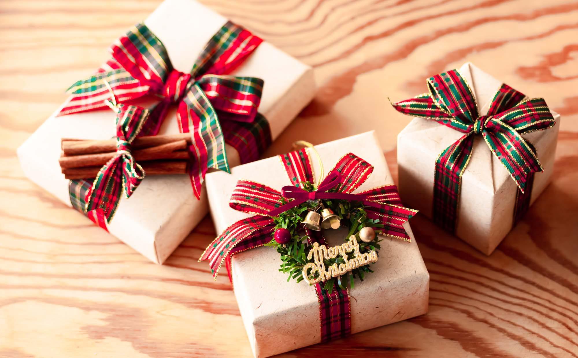 両親と祖父母に送りたい、2020年のクリスマスプレゼントはどう選ぶ?