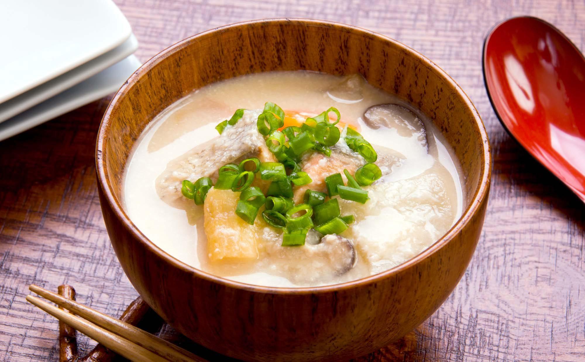 粉もんだけじゃない! 大阪の郷土料理の魅力と家庭のレシピ