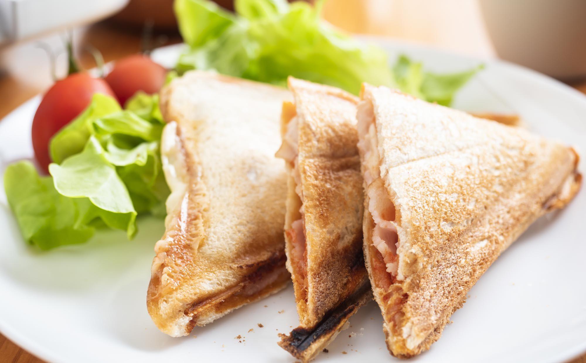 3月13日はサンドイッチの日! 朝食にぴったりなホットサンドレシピ4選