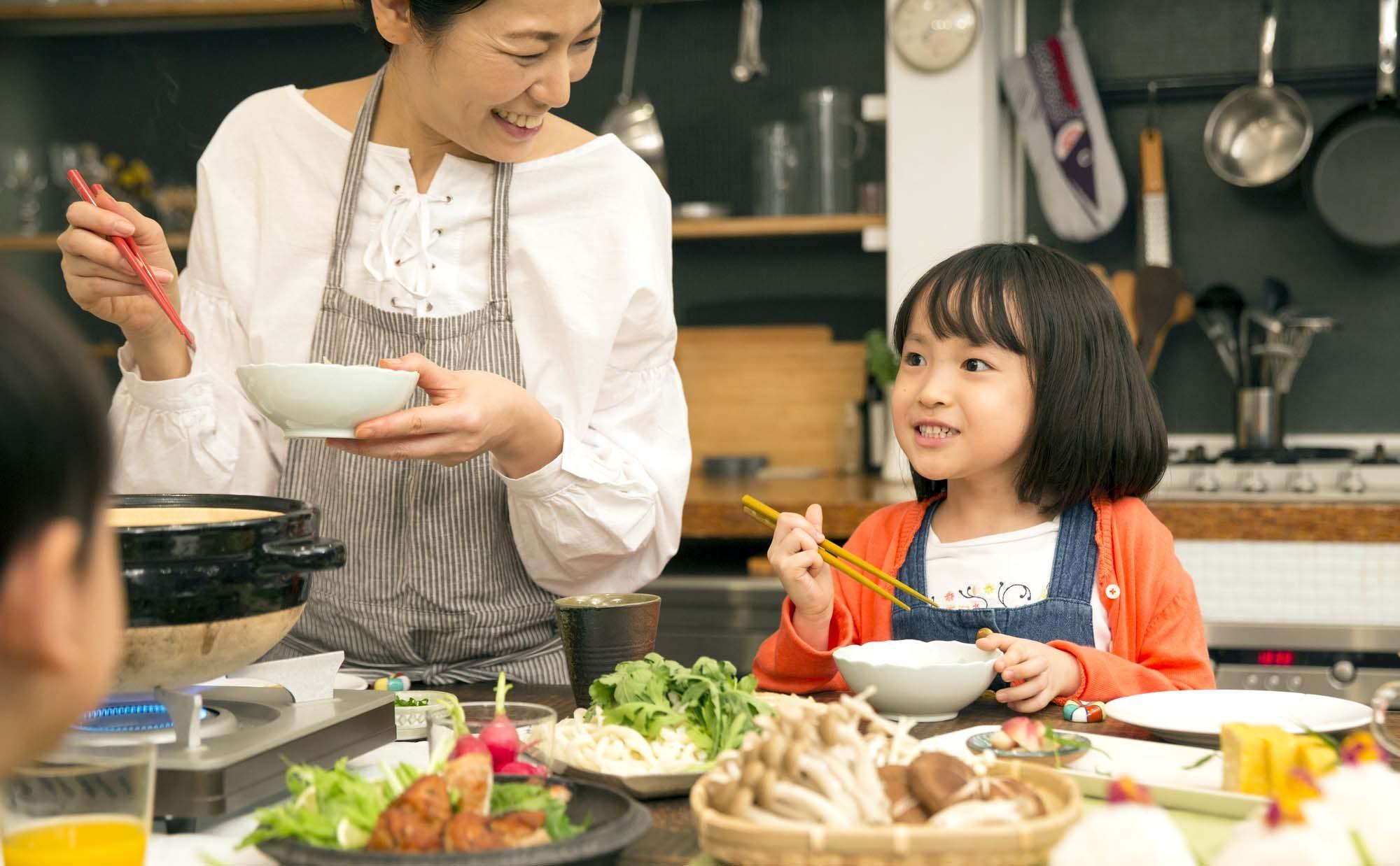 秋田県民が愛する「だまこ鍋」とは? あったか郷土料理を子どもと作ろう