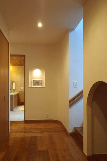 【リノベ暮らしな人々】ドックスペースを設けた廊下