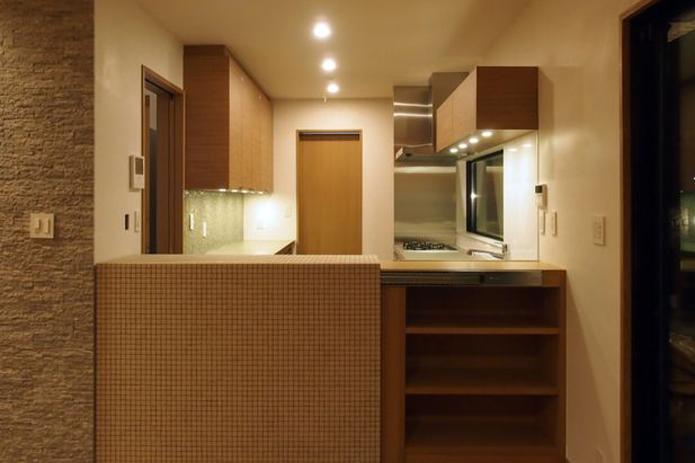 【リノベ暮らしな人々】スライドさせたキッチンカウンター
