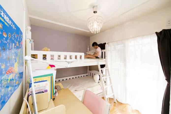 【リノベ暮らしな人々】ラベンダー色がテーマの子ども部屋。お嬢さんが自分で選んだお気に入りです